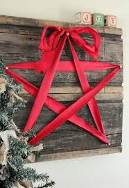 Diy Outdoor Wood Christmas Decorations by 25 Ideas To Decorate Your Home With Recycled Wood This Christmas