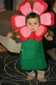 como hacer mascaras en forma de rosa pequeña tirana disfraz de flor