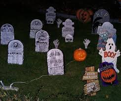 Simple Halloween Decorations Outdoor by 32 Best Halloween Decorating Ideas Images On Pinterest Halloween