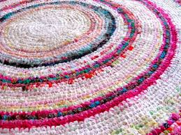 Crochet A Rag Rug How To Make A Colourful Crochet Rag Rug With Recycled Fabrics
