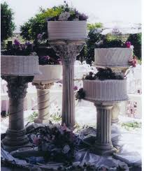 wedding cake with columns idea in 2017 bella wedding