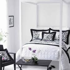 White Bedroom Carpet Bedroom Delightful Black And White Bedroom Decoration Using Black