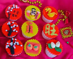 New Years Cupcake Decorating by 9 Best Cny Cupcakes Images On Pinterest New Year U0027s Cupcakes