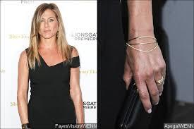 aniston wedding ring aniston flaunts wedding ring at