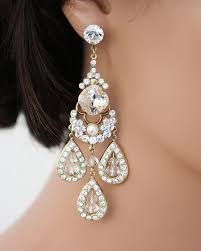 gaudy earrings everyone is giving these gaudy earring trends a go this year