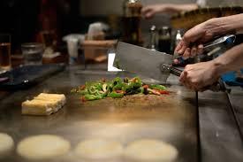 cuisiner au teppanyaki marche à suivre pour intégrer un barbecue dans sa cuisine