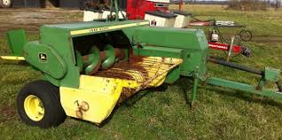 deere square baler like the one used farm work