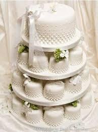 pink vintage look wedding cake cakes pale ivory fruit sponge