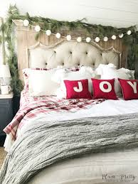 plum prettya farmhouse christmas bedroom u2014