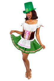 waitress in st patrick u0027s day costume stock photo image 49887988