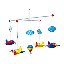 mobile kinderzimmer mobile luftfahrt aus holz bunt lackierte flugzeuge wölkchen