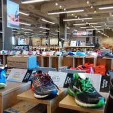 designer shoe outlet dsw designer shoe warehouse 19 photos shoe stores 901 west