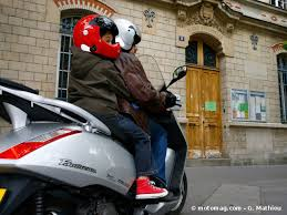 si e enfant scooter spécial rentrée comment emmener enfant à moto moto magazine