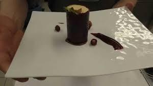 Esszimmer Michelin Star Struijk Prepares A Dessert At The Michelin Star Fischers Fritz
