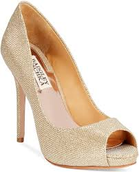 Light Pink Wedding Shoes 6 Stylish Gold Wedding Shoes To Show Off Naturalhairbride