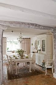 Unassumingly Chic Farmhouse Style Dining Room Ideas - All white dining room
