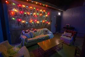 living room cafe chicago a look inside the stranger things bar pop up in chicago eater
