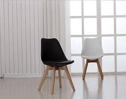 chaise blanc et bois mode 100 en bois et en plastique pu chaise blanc bleu ã à
