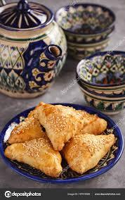 cuisine ouzbek pâtes feuilletées avec viande poulet samosa cuisine ouzbek orientale