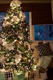 easy christmas home decor ideas easy christmas decorating ideas parties for pennies