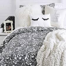 Bedding Decorating Ideas 25 Best Bedding Images On Pinterest Master Bedroom Bedding
