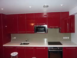 faience en verre pour cuisine cuisine couleur bordeaux idées décoration intérieure
