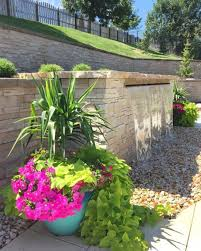 Porch Planter Ideas by 42 Best Garden Planters Images On Pinterest Pots Gardening And