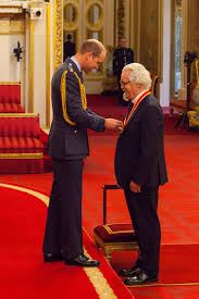 the big yin billy connolly becomes sir billy at buckingham palace