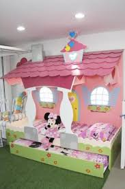 chambre minnie mouse best 25 minnie mouse bedding ideas on mickey mouse
