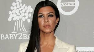 kourtney kardashian shows off pic of her bare u2014 again