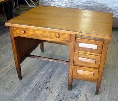 Small Oak Desks New York Discount Office Furniture Vintage 1920 30 S Oak Desk 32