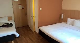 chambre pour 2 chambre pour 3 personnes avec 2 lits picture of ibis