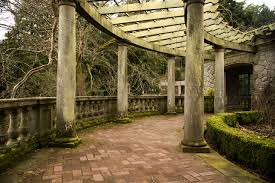travel to italy historical and botanical gardens