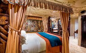 castle raven marzipan baroque room idolza