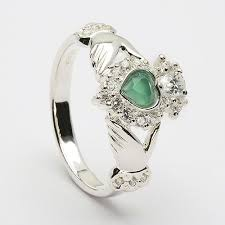 claddagh ring story 45 best claddaugh rings images on claddagh rings