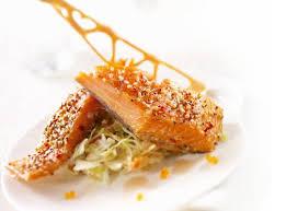 cuisiner pavé de saumon recettes pavé de saumon fumé à chaud et sa garniture sylvestre