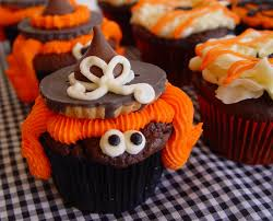Halloween Decorations For Cakes by Spook Tacular Halloween Cupcakes