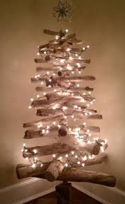 Outdoor Christmas Tree Made Of Lights by Best 20 Driftwood Christmas Tree Ideas On Pinterest Twig Tree