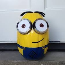 spray paint minion pumpkins for halloween todaysmama