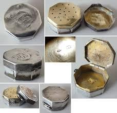 Couvert En Argent Ancien Vinaigrette En Argent Massif Silver Box 18e Siècle Poudrier Parfum
