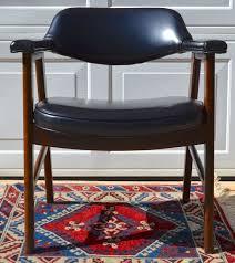 set of 2 paoli mid century danish modern chairs juhl chieftain