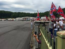 Giant Confederate Flag Confederate Flag Supporters It U0027s About Heritage Not 90 1