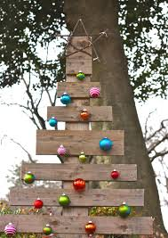pallet christmas tree a simple inexpensive rustic outdoor
