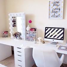 Diy Makeup Vanity Desk Best 25 Makeup Desk Ideas On Pinterest Vanity Diy With Bedroom