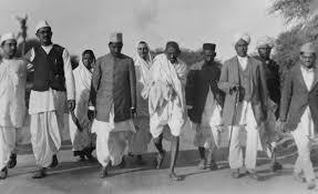 biography of mahatma gandhi summary why did nathuram godse kill mahatma gandhi quartz