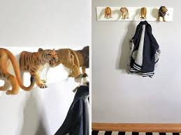 diy garderobe diy anleitung garderobe aus tierfiguren selber machen via dawanda