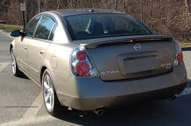 old nissan altima nissan altima se review road test compare the nissan altima test