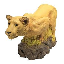 mountain lion statue lioness on the prowl statue design toscano cat cats mountain