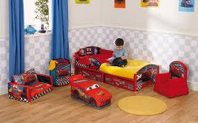 chambre pour garcon lit voiture pour garçon chambre enfant