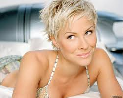 1980s wedge haircut best to blonde images on pinterest unique brittany daniel short
